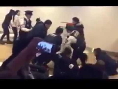 [衝撃映像] 新千歳空港で中国人観光客が大暴れ