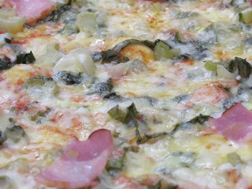野沢菜漬けのピザ