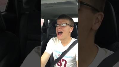 【笑える!】歌いながらのドライブで事故にあったら・・・・・