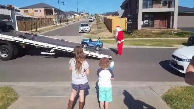 【笑える!】クリスマスプレゼントの・・・・・大がかりなナイスボケ!