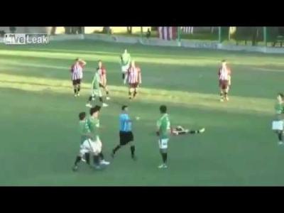 【衝撃!】サッカー史上最悪プレイヤー!レフリーを殺した選手!
