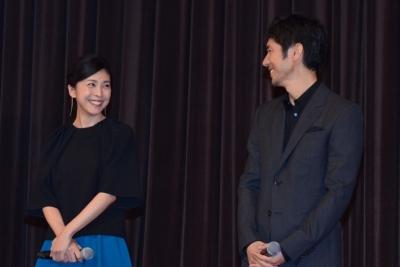 【芸能人サプライズ】西島秀俊と竹内結子登場で学生600人が大興奮!
