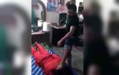 【衝撃!】パキスタン人のお仕置き???女性の尻を出して叩く!