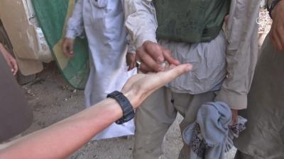 【衝撃!】イスラム国(ISIS)の若者が自爆テロの実行者に選ばれた瞬間!
