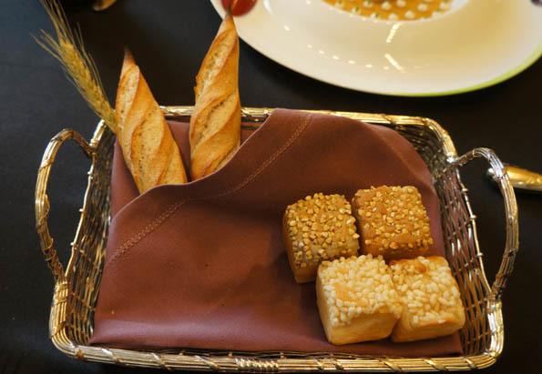 20170113 JR 2 bread 21cm DSC03661