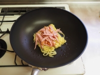 水菜とウインナーの塩焼きそば34