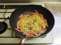 水菜とウインナーの塩焼きそば36