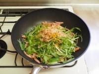 水菜とウインナーの塩焼きそば37