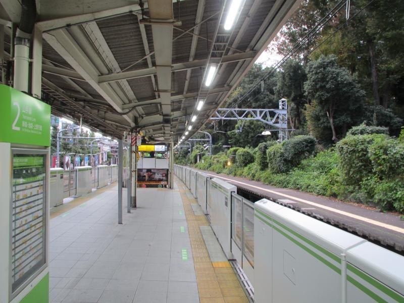 原宿駅ホーム1