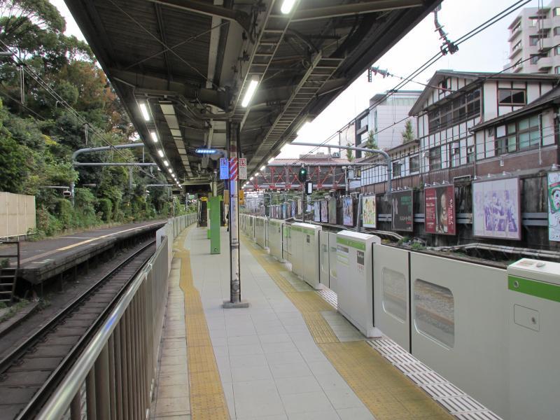 原宿駅ホーム2