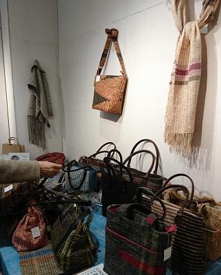 神楽坂の咲き織り作品展