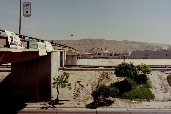 国境の橋-1