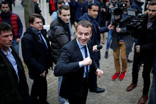 仏大統領選、エマニュエル・マクロン出馬表明