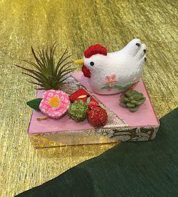 12月9日ブログしめ飾り鳥ピンク