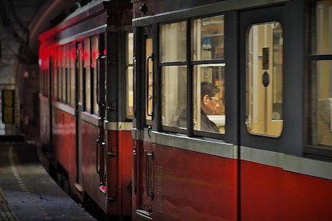 夜の登山電車