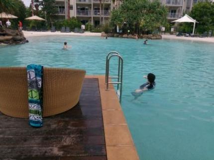 昼間のプール2