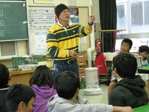 マルヤマグループ木育教室・栗谷本講師