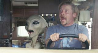 UFOがレッカー移動させて行く