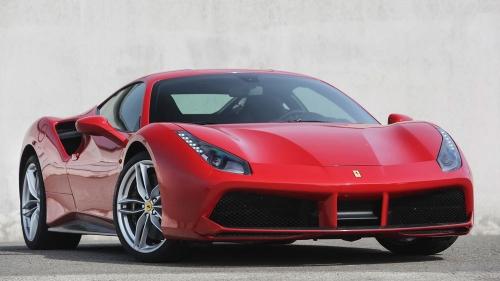 2015-Ferrari-488-GTB_01