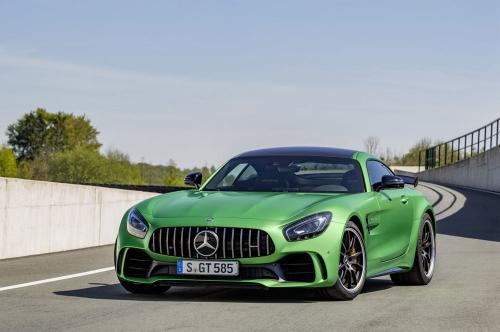 2016-Mercedes-Benz-AMG-GTR_01