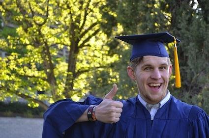 graduation-879941_640.jpg