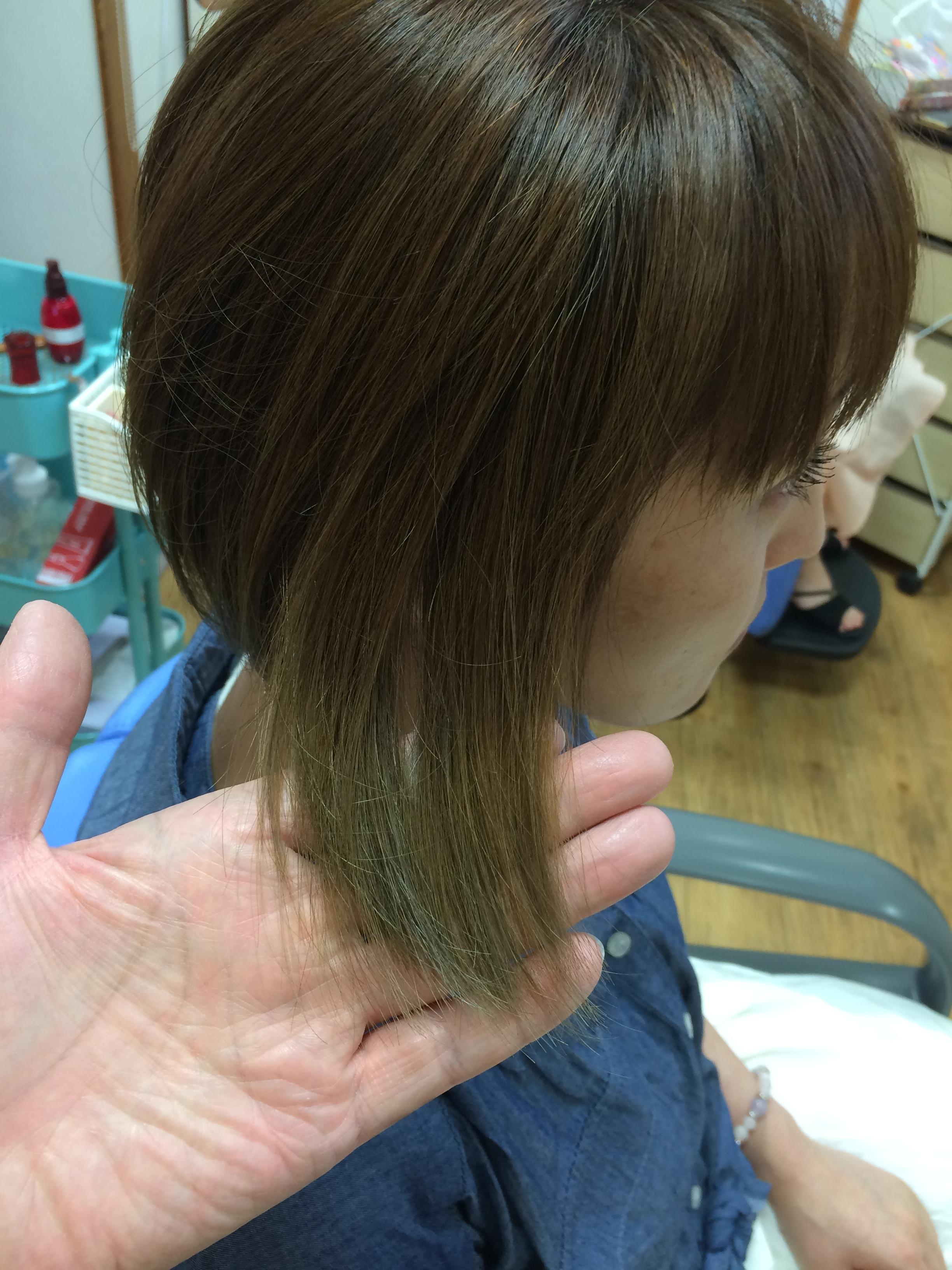ヘアカラー毛の乾燥から髪を守るつやつや縮毛矯正