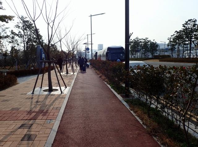 2 ホテルまで歩く (640x474)