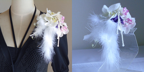 胡蝶蘭とファーの卒業式コサージュ