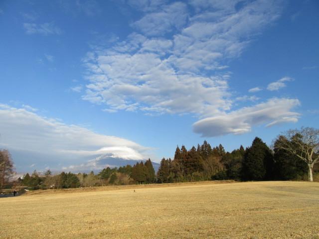 富士山に笠雲