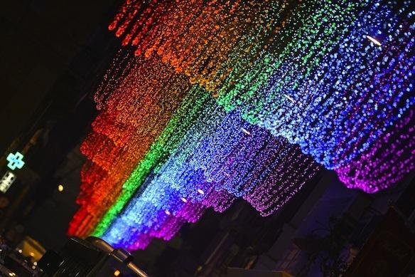 04-luminarie-roma-2013-arcobaleno-a-via-del-corso.jpg