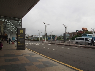 松山空港外