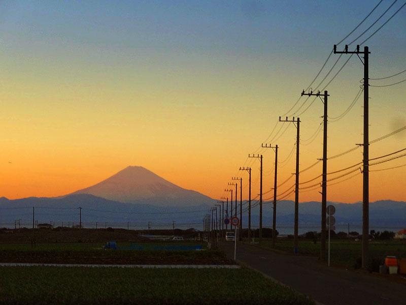 161228冨士山と電柱1