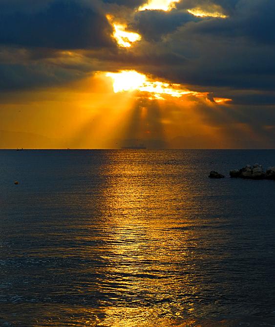 14112朝の薄明光線3