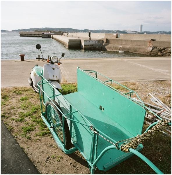 8-g50mm-mamiya6-日間賀島-2016-11-15-portra160-82600004_R