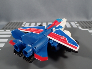 Transformers Robot in Disguise Combiner Force Warrior Class Stormshot (5)