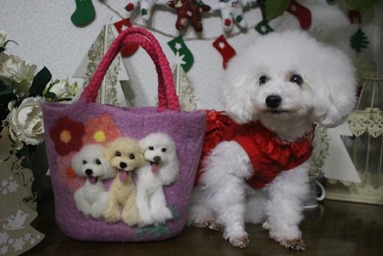 茉莉花とバッグ