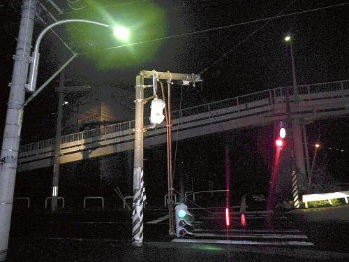 広島市西区商工センター信号機落下