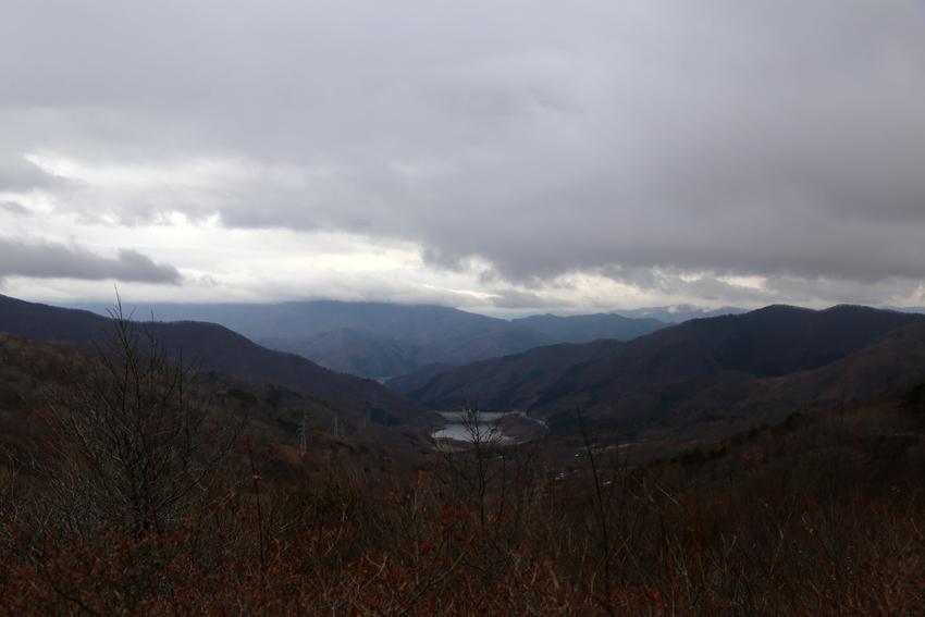 20161120登山道から見る大船渡方面