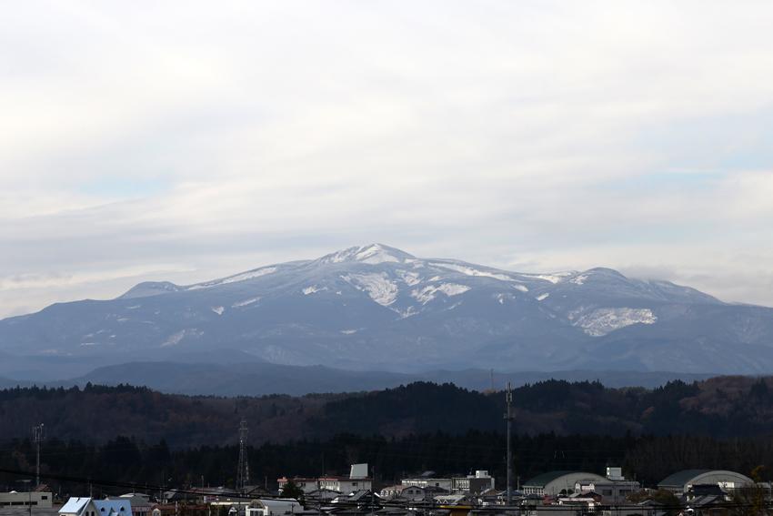 20161124今昼の栗駒山2