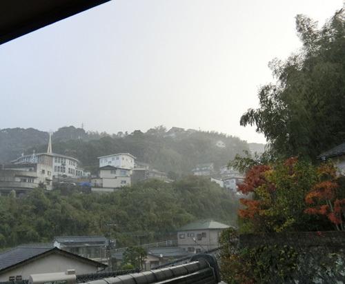 突然の土砂降り。