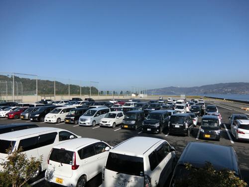 駐車場はいっぱいですが・・・!?