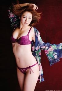 isoyama_sayaka_g141.jpg