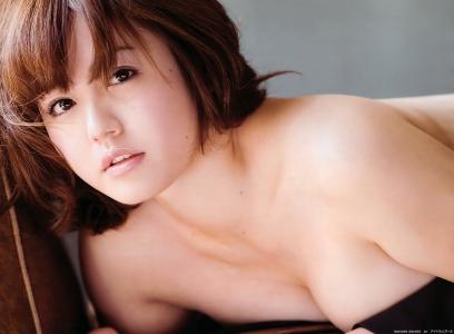 isoyama_sayaka_g142.jpg