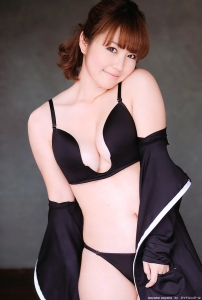 isoyama_sayaka_g144.jpg