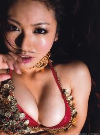 isoyama_sayaka_g146.jpg