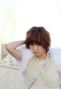 shinoda_mariko_g168.jpg