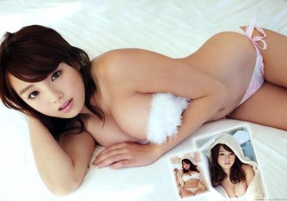 shinozaki_ai_g205.jpg