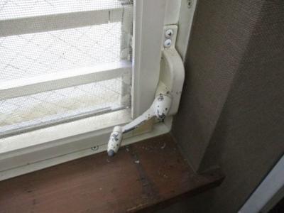 ジャロジー窓のハンドル