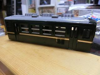 金帯塗装をした「パレオエクスプレス用客車」スハフ12