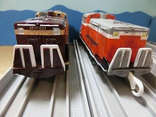 「わたらせ渓谷鉄道 DE10 1537号機」と並べて撮影②